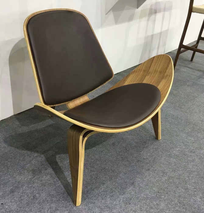 CH07 Shell Lounge Chair - Leather - Reproduction