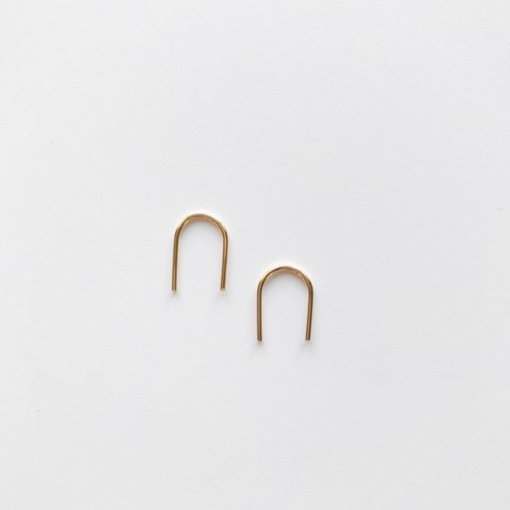 Teeny Arc Pin | Gold