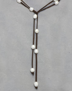 Necklace Pearls on Leather Lariat