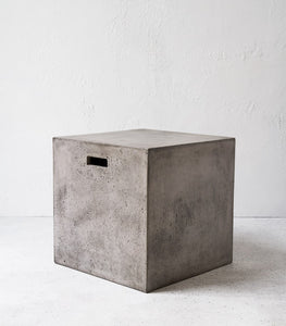 Cubo concrete stool