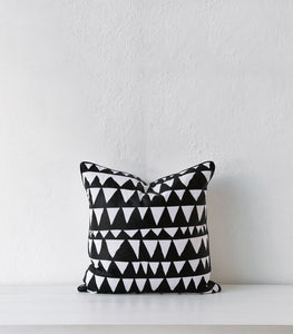 Black & White Cushion / Feather Inner / 45x45cm