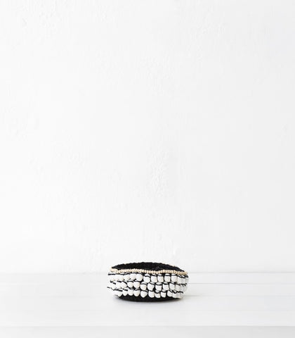 Knit Basket w Shells / Black
