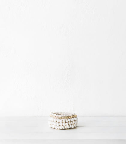 Knit Basket w Shells / White