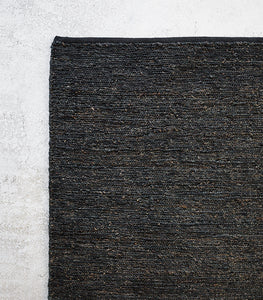 Armadillo & Co / Ravine Weave Rug / Coal / 1.7x2.4M