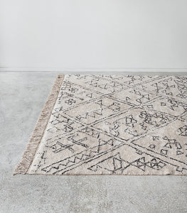 'Awan' Cotton Floor Rug / Black-Natural White / 160x230cm