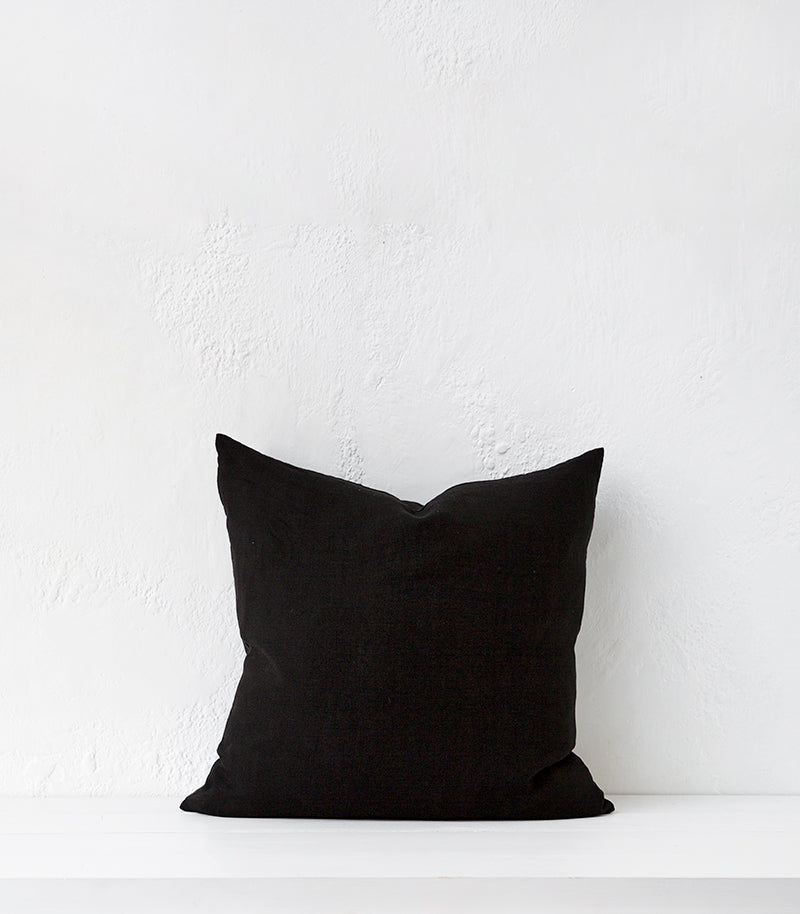 'Beach Sand' Cushion w Feather Inner / 55x55cm / Black