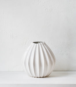 Broste Vase / Lines Wide / White / Large