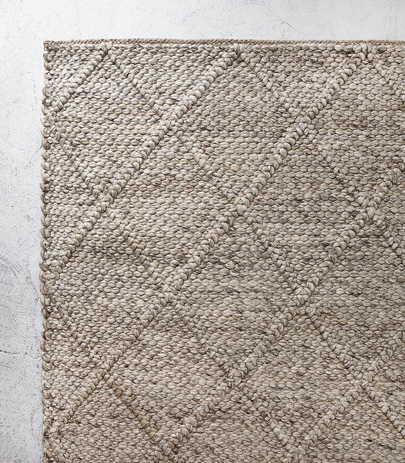 Dakota Floor Rug / Wool-Viscose-Cotton / Natural Straw / 80x300cm