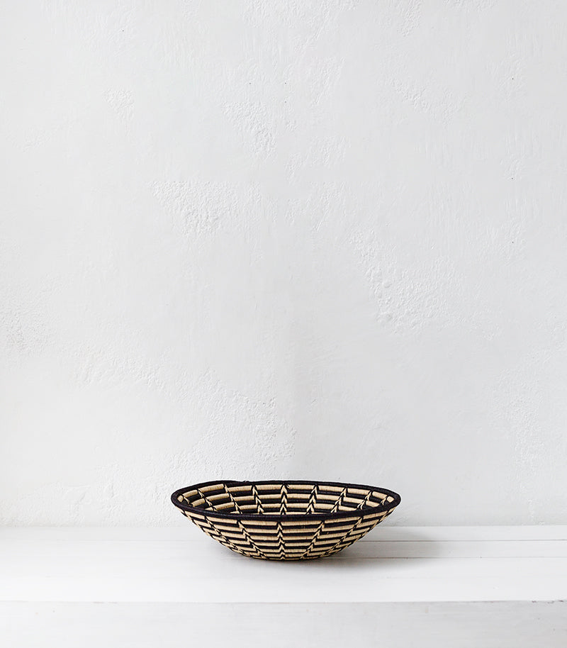 'Fair Trade' (Uganda) Woven Bowl / 40cmD / Black-Natural