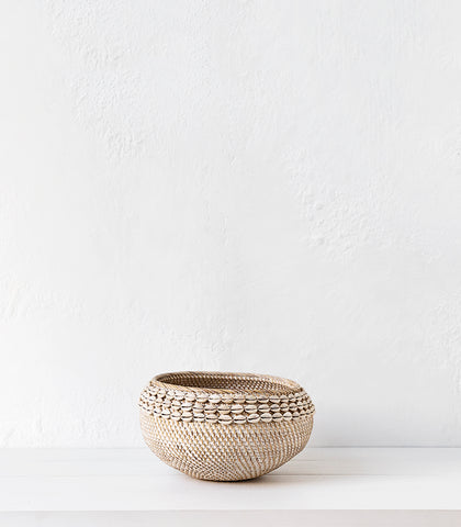Lombok Bowl w Shells / Whitewashed / Large