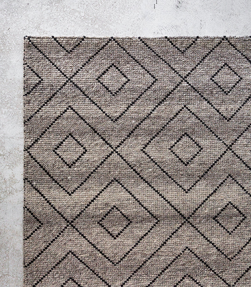 Makalu Rug / Basalt / 70% Wool-30% Cotton / 2Mx3M