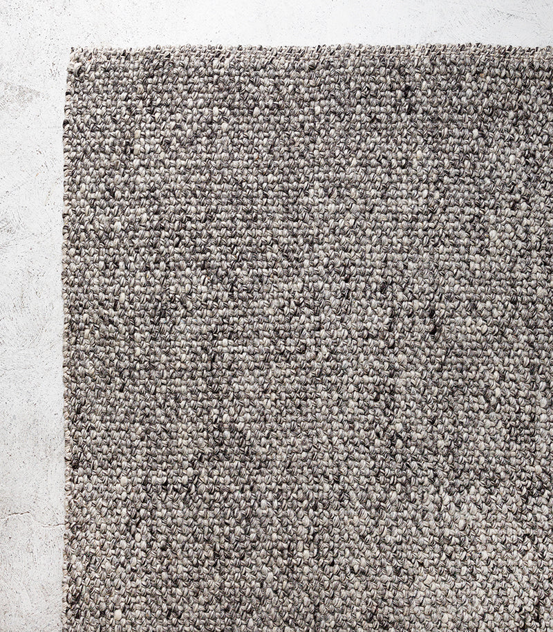 Nebraska Floor Rug /Wool-Viscose / Ash / 80x300cm
