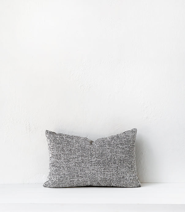 Outdoor / 'Fleck' Cushion  w outdoor inner / 60x40cm /  Onyx