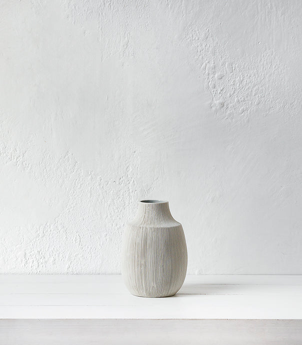 Papaya / Bruno Ceramic Vase / White / Tapered / Medium