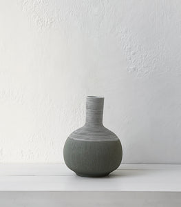 Papaya / Phoebe Ceramic Vase / Pebble / Round