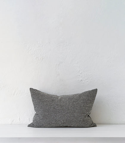 'Perissa' Cushion w Feather Inner / 60x40cm