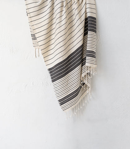 Saarde / Tribal Variegated Natural Stripe Towel / Blk-Natural