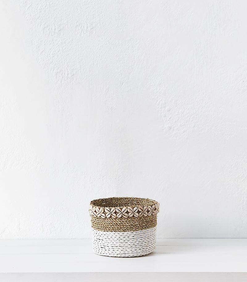 Seagrass Basket w Shells  / White / Medium