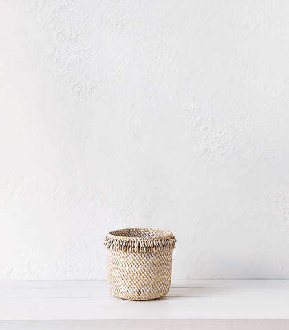 Lombok Woven basket w Shells / Whitewash / Large