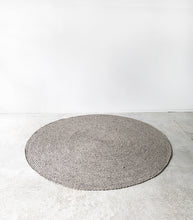 Tairua Round Floor Rug / Wool-Viscose / Silver Birch / 180cmD