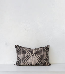 'Temple' Linen-Cotton Cushion w Feather Inner / 60x40cm