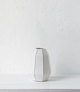 Porcelain Vase / Matt White