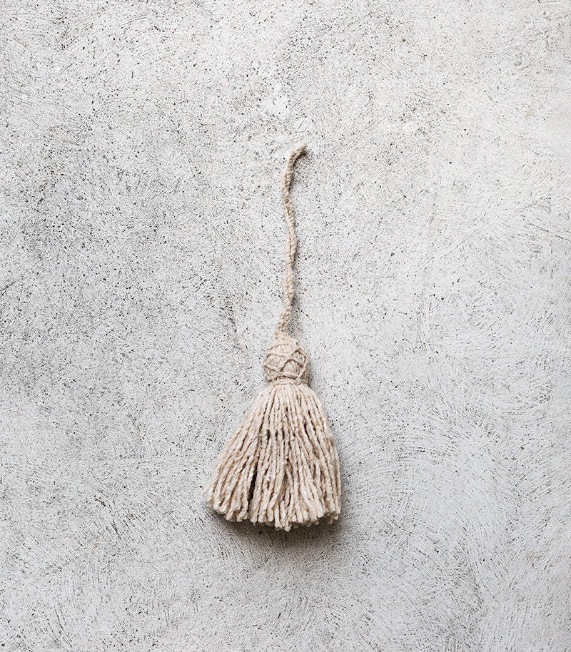 Wool Tassel / Natural