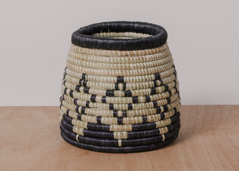 BLACK DIAMOND UTENSIL HOLDER (RWANDA)