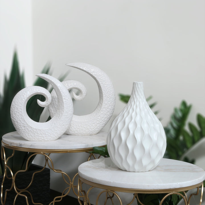 WHITE EMBOSSED WAVE ROUND BASE VASE