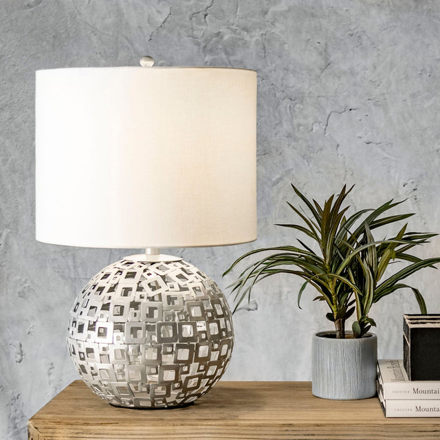 METAL SPHEAR TABLE LAMP - 20