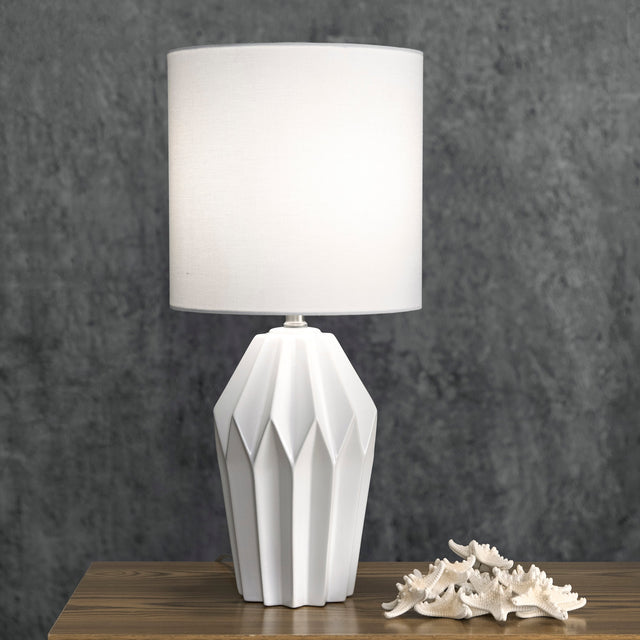 CERAMIC FACETED TABLE LAMP - 24