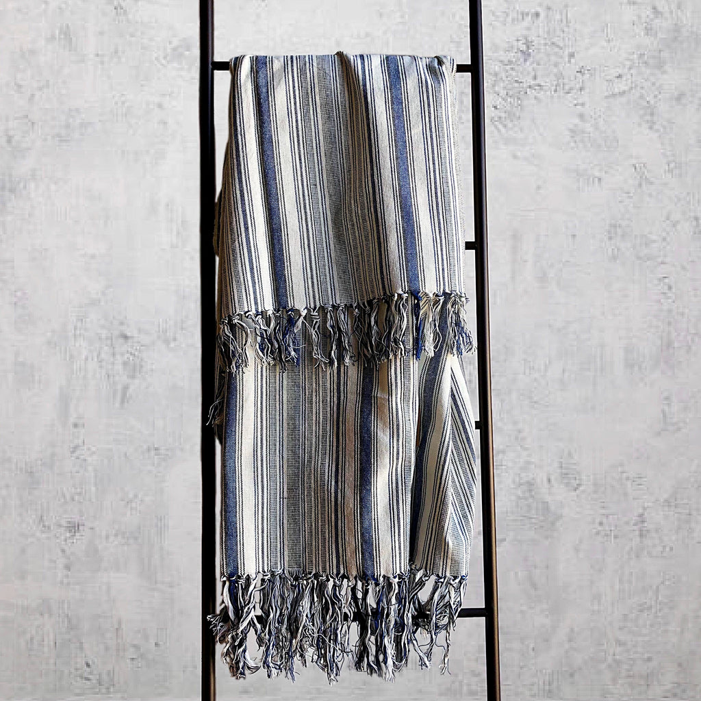 AKHA STRIPE THROW BLUE/CREAM