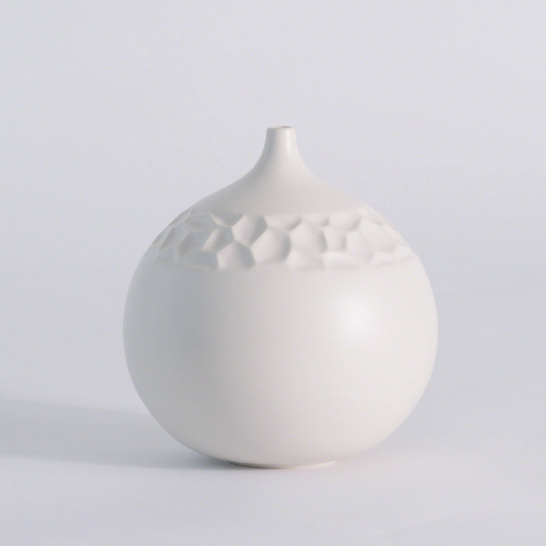 "WHITE HONEYCOMB VASE 8"" (FROM PORTUGAL)"