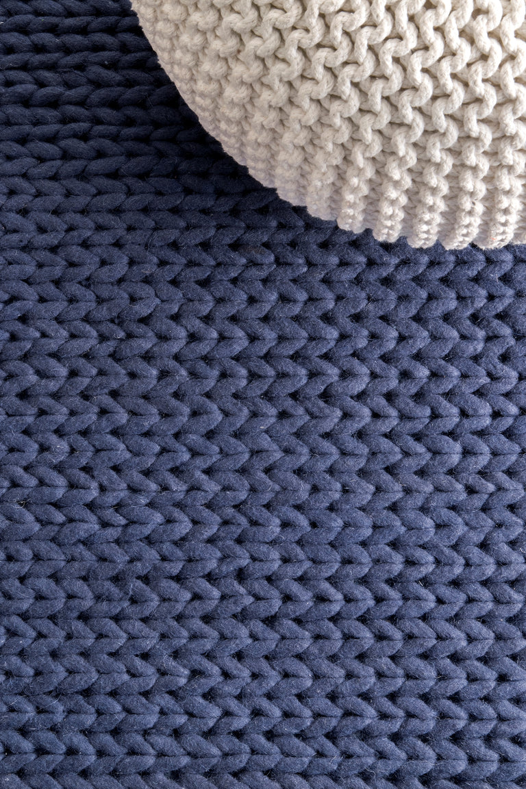 CHUNKY CABLE HANDWOVEN NAVY