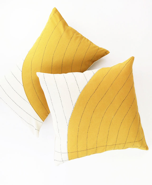 GOLD CURVE THROW PILLOW
