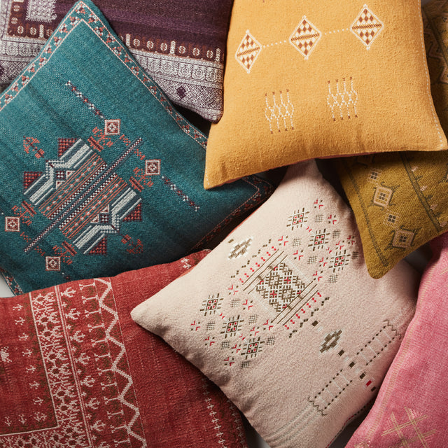 Puebla Maram |  Pillow from India