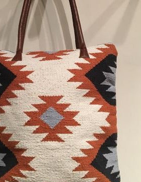 WOVEN CLAY TOTE