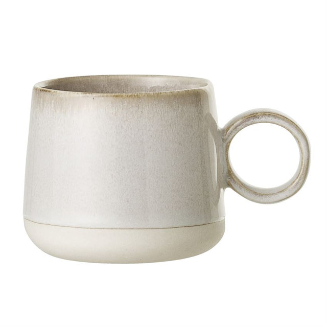WHITE EARTHENWARE MUG
