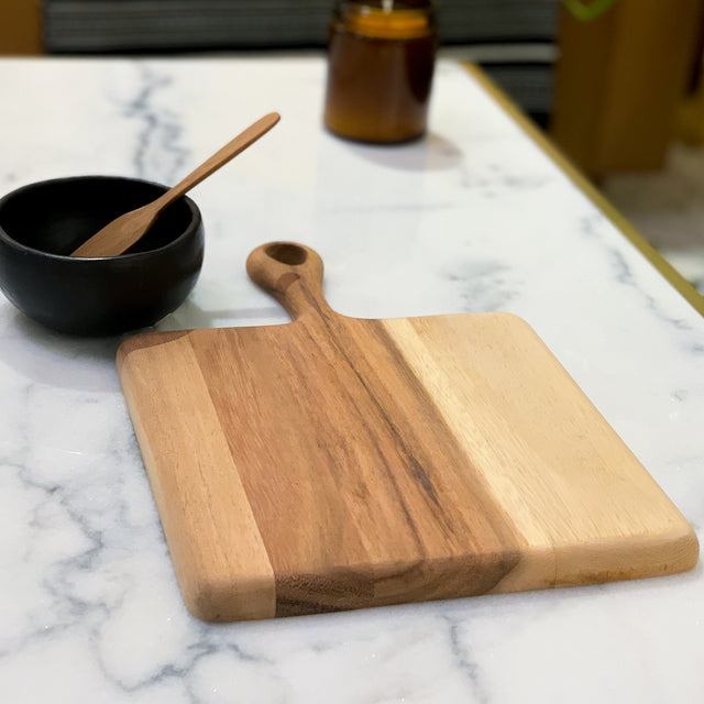 ACACIA SQUARE BOARD WITH HANDLE