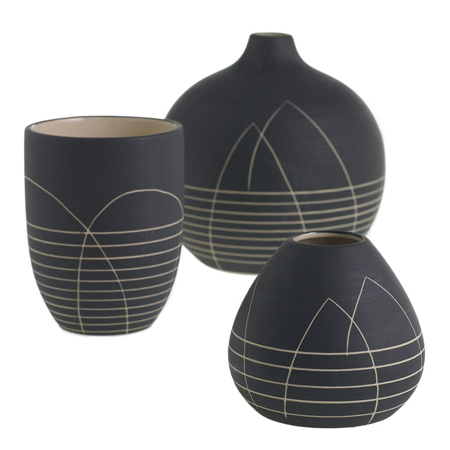 BLACK EVERLANE VASES