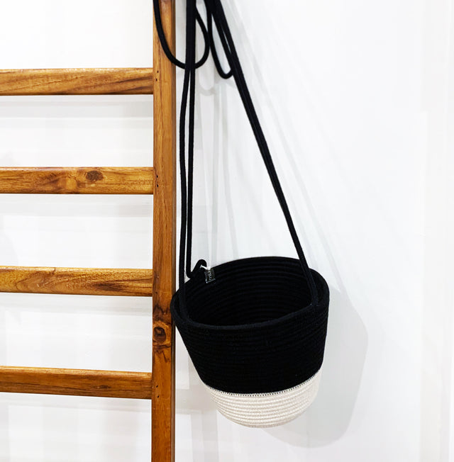 IVORY BLOCK COTTON HANGING PLANTER (SOUTH AFRICA)