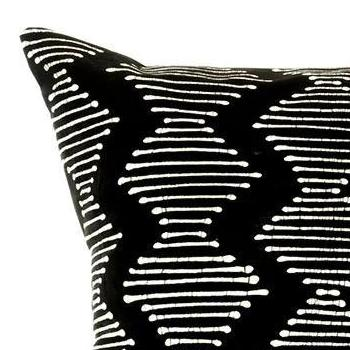 BLACK DIAMONDS PILLOW (ZAMBIA)