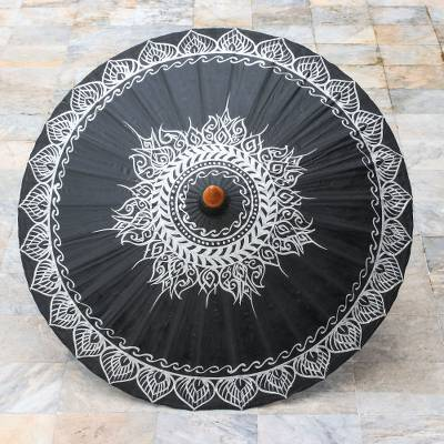 BLACK MOON PARASOL (FROM THAILAND)