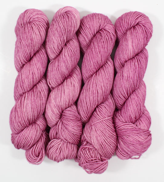 Vintage Rose Manic Monday BFL DK Superwash Yarn