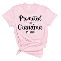 Promoted to Grandma Est 2020 Pregnancy Announcement Shirt for Women
