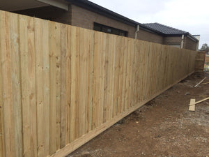 *1950 High Standard Fence (2400 Posts & 1800 Palings)