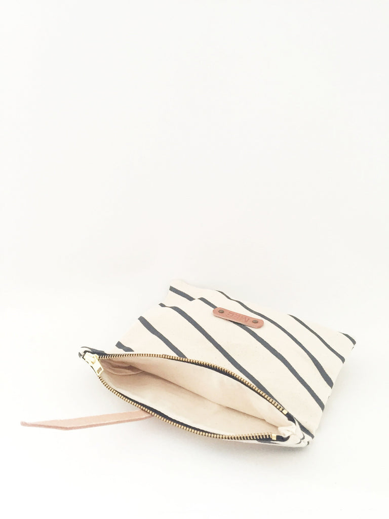 Roll - up clutch - PARIS - grey