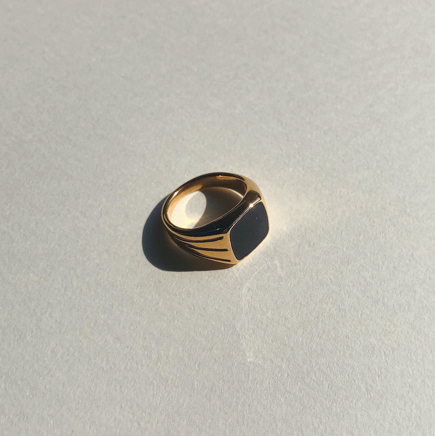 BL ring Black color design Gold Ring side image