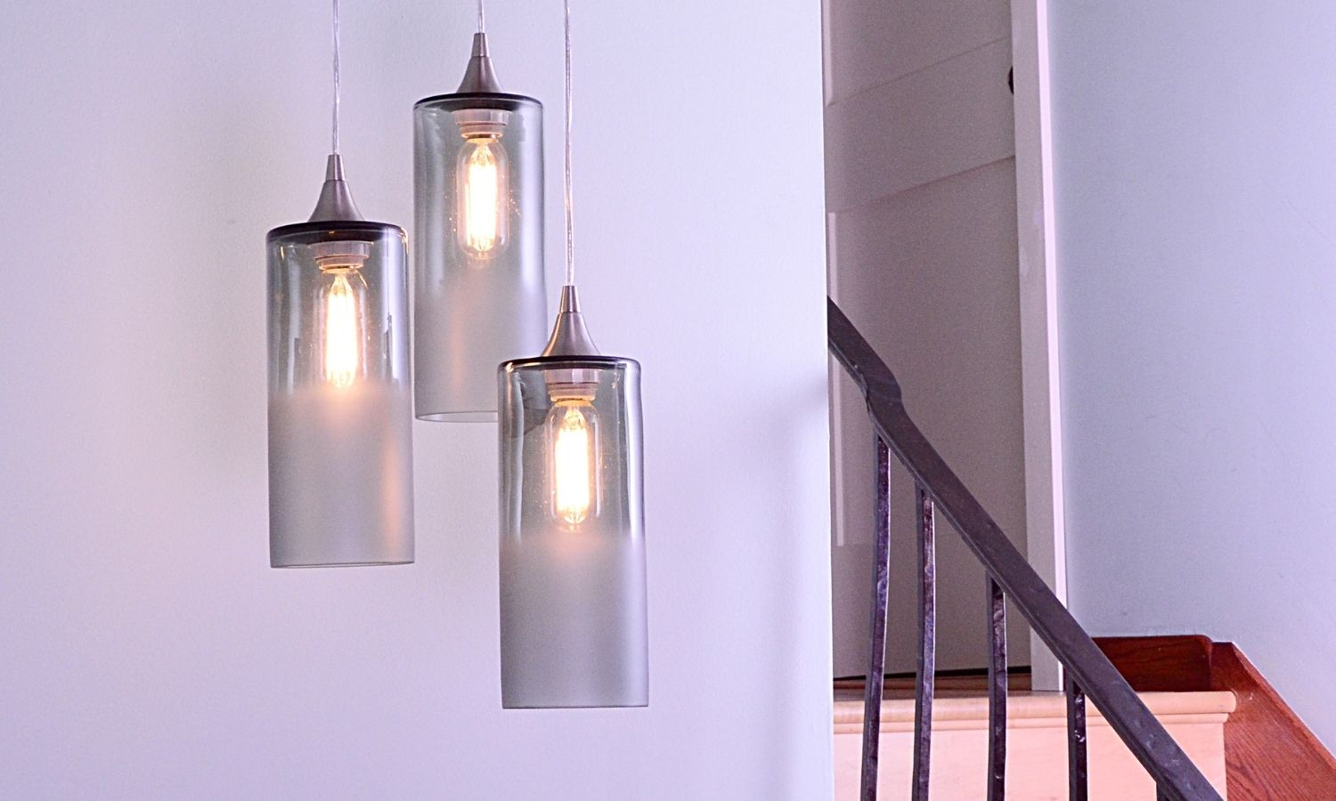 How To Choose the Perfect Lighting for an Entryway