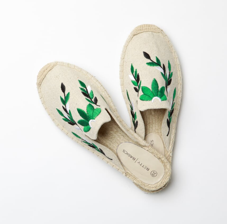 Fiesta Canvas Mule in Natural